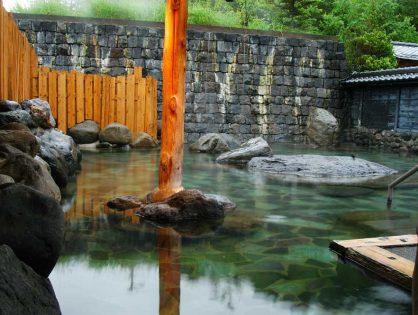 つなぎ温泉 湖山荘