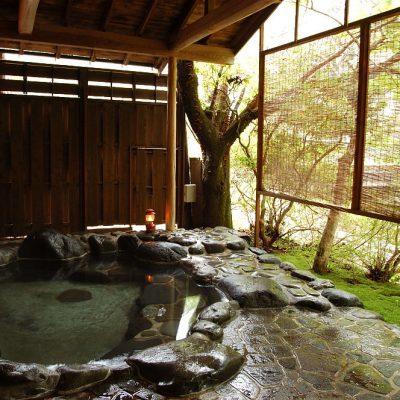 吉奈温泉 芳泉荘